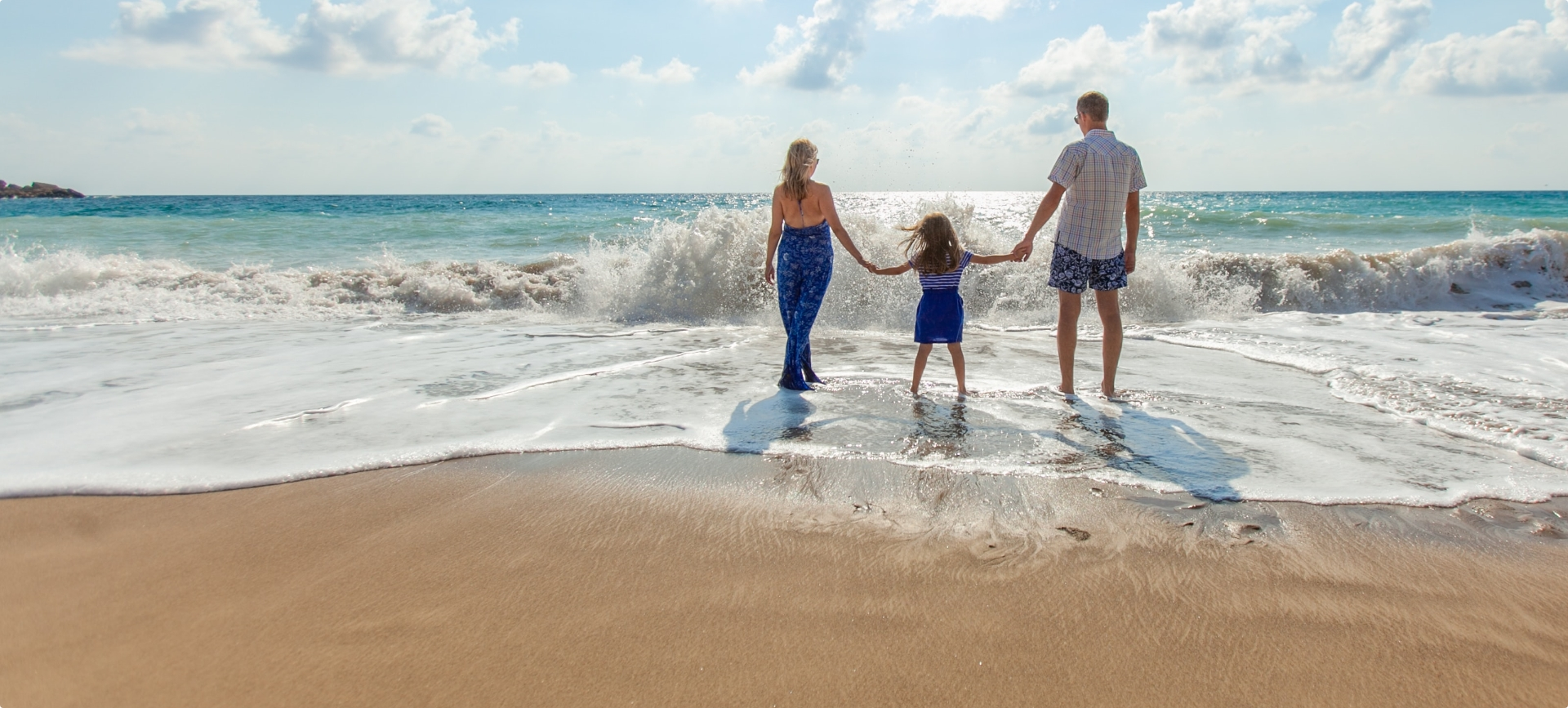 Les Pieds Dans L'eau : Famille plage mer