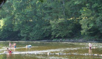 Camping Au Soleil d'OC - Rivière - Les pieds dans l'eau