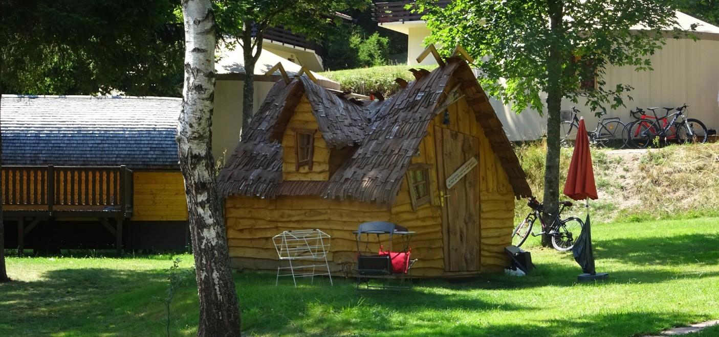Camping de Belle Hutte-locatifs insolites-Les Pieds dans l'Eau 2