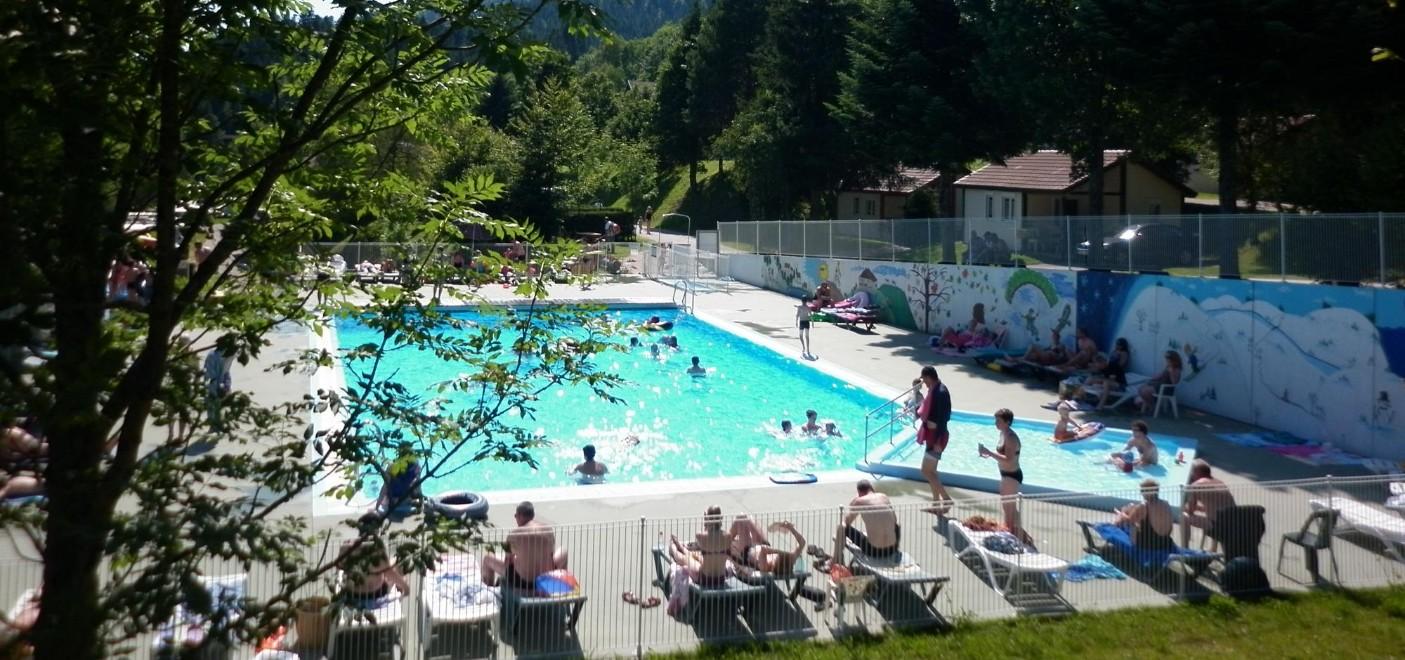 Camping de Belle Hutte-piscine-Les Pieds dans l'Eau