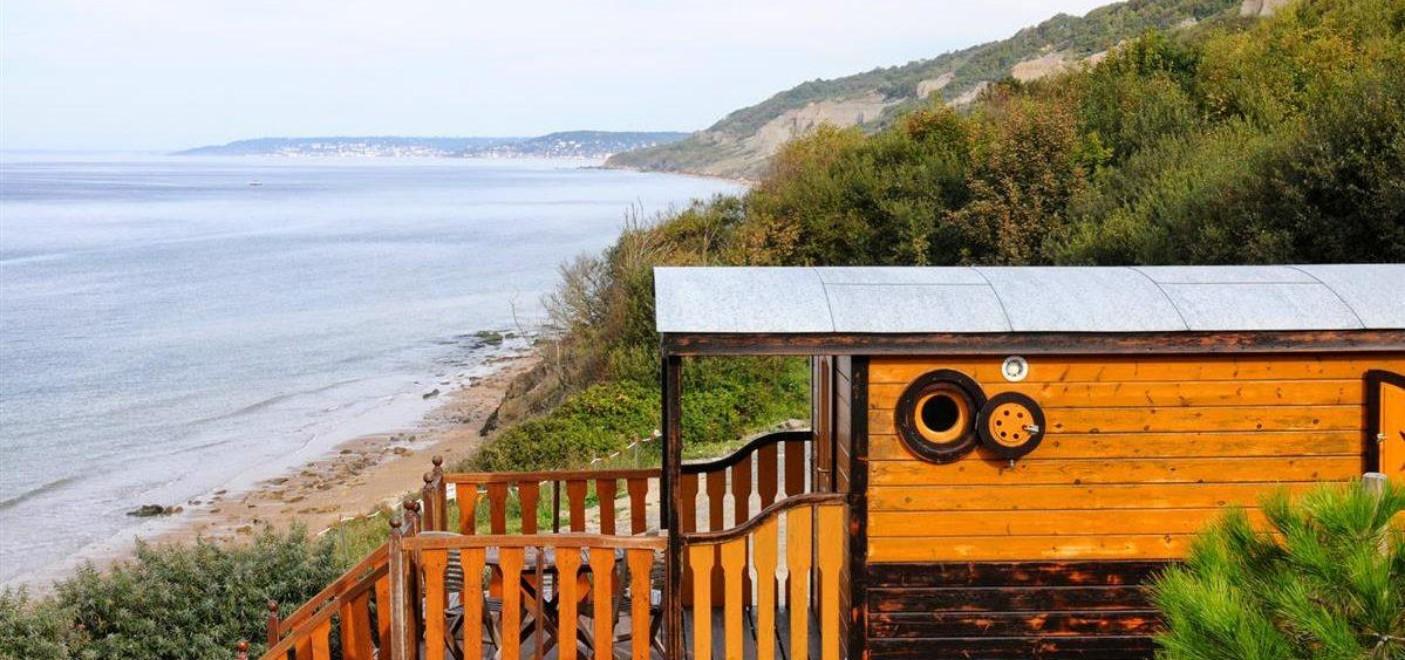 Camping de La Plage Houlgate-roulotte vue mer-Les Pieds dans l'Eau 3