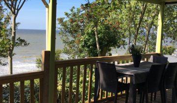 Camping de La Plage Houlgate-terrasse vue mer-Les Pieds dans l'Eau 2