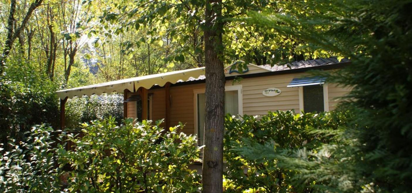 Camping Domaine de Gil-locatif-Les Pieds dans l'Eau