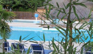 Camping Domaine de Gil-piscine-Les Pieds dans l'Eau 2