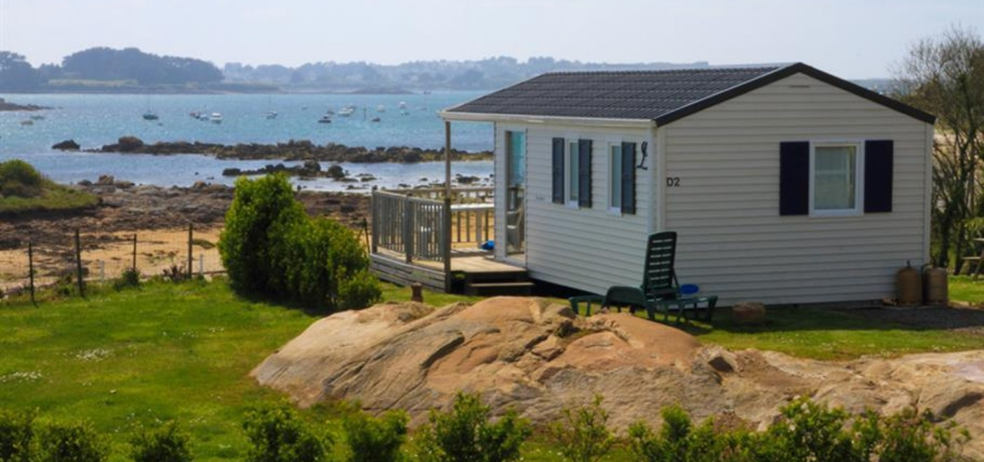 Camping Du Port-locatif vue mer-Les Pieds dans l'Eau