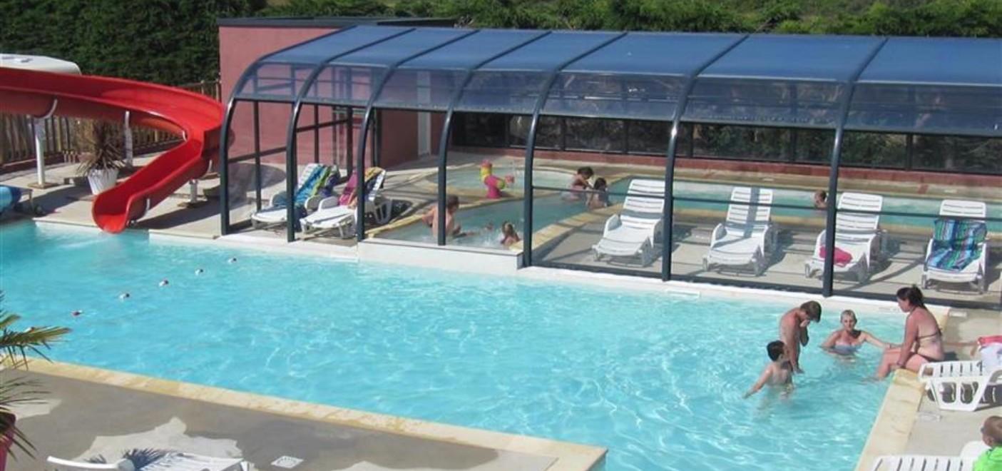 Camping Du Port-piscine-Les Pieds dans l'Eau