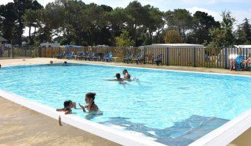 Camping Ker Eden-piscine-Les pieds dans l'eau