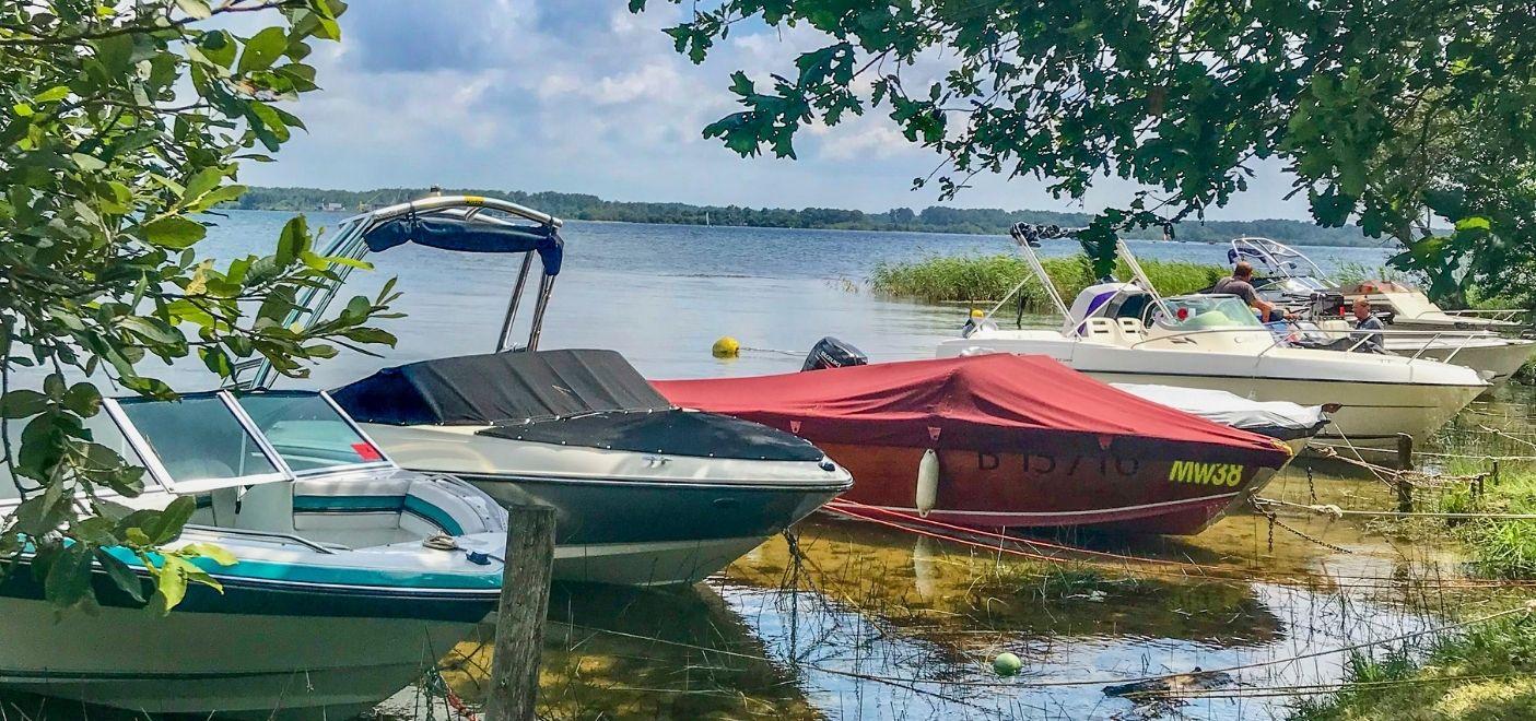 Camping La Calède-Amarrage bateaux-Les pieds dans l'eau