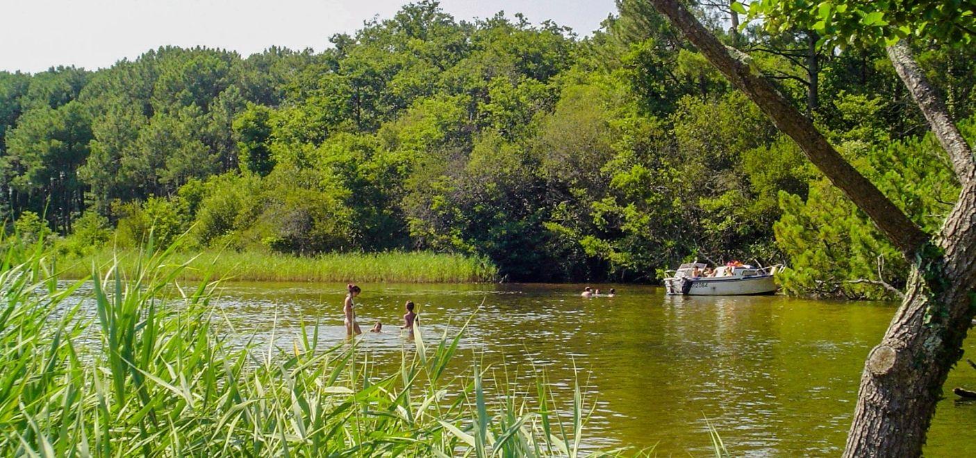 Camping La Calède-Baignade au coeur de la nature-Les pieds dans l'eau