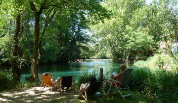 Camping La Coutelière-détente en bord de lac-Les Pieds dans l'Eau 2