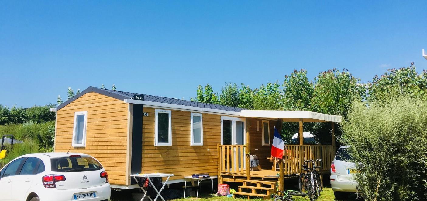 Camping La Plage de Treguer-locatifs-Les Pieds dans l'Eau 2