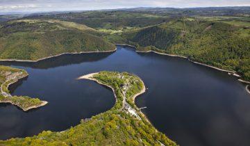 Camping La Source-vue aérienne-Les Pieds dans l'Eau