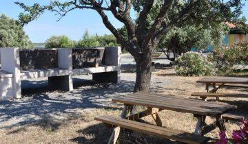 Camping Le Fun-barbecue-Les Pieds dans l'Eau