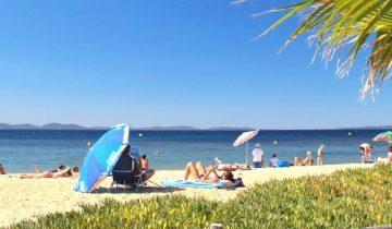 Camping Le Pansard-plage-Les Pieds dans l'Eau 2