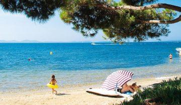 Camping Le Pansard-plage-Les Pieds dans l'Eau 3