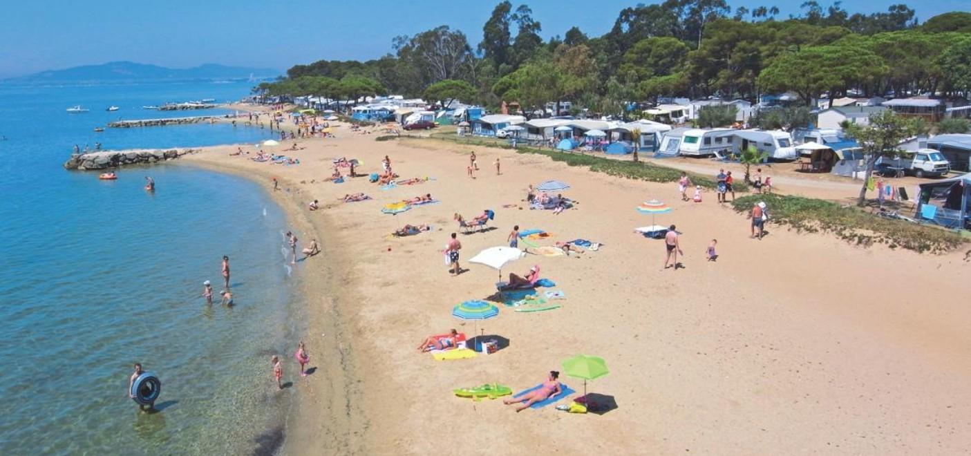 Camping Le Pansard-plage-Les Pieds dans l'Eau 4