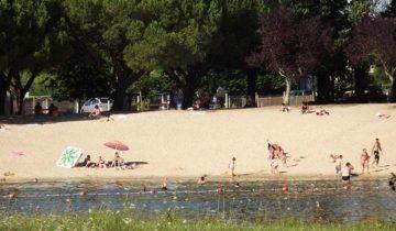 Les Pieds Dans L'eau : Camping Le Paradou Plage En Bord De Lac Les Pieds Dans L'eauCamping Le Paradou-plage en bord de lac-Les Pieds dans l'Eau 2