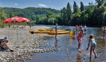 Les Pieds Dans L'eau : Camping Le Perpetuum Plage En Bordure De Rivière Les Pieds Dans L'eau