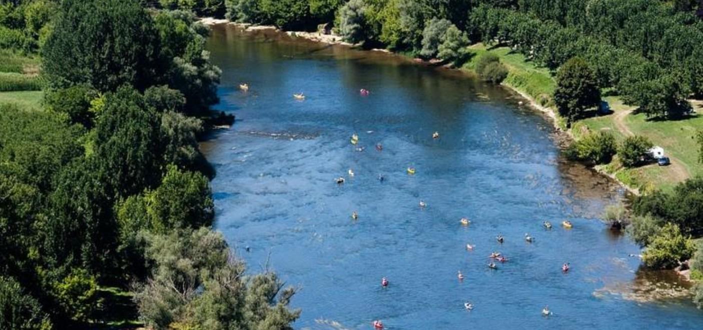 Les Pieds Dans L'eau : Camping Le Perpetuum Rivière Les Pieds Dans L'eau