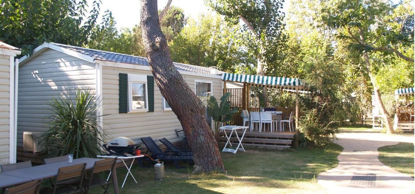 Camping Le Soleil Argelès-locatif-Les Pieds dans l'Eau 2