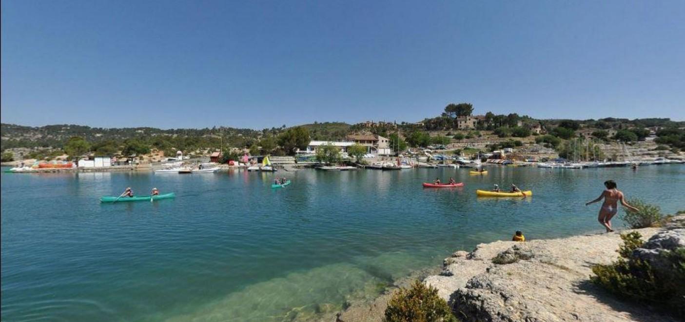 Camping Le Soleil Esparron-activités nautiques sur le Lac d'Esparron-Les Pieds dans l'Eau