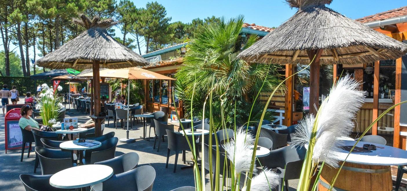 Camping Le Vieux Port-bar restaurant-Les Pieds dans l'Eau