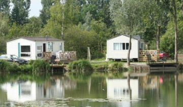 Les Pieds Dans L'eau : Camping Les Puits Tournants Locatif Avec Ponton De Pêche Les Pieds Dans L'eau 3