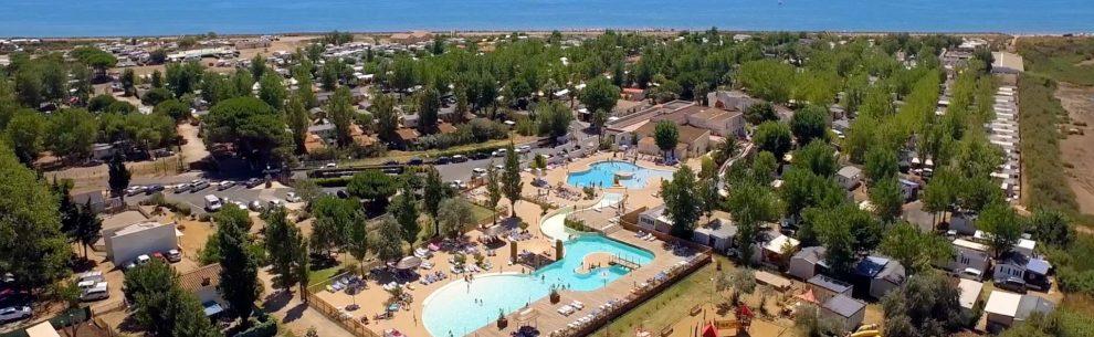 Camping Méditerranée Plage-vue aérienne-Les pieds dans l'eau