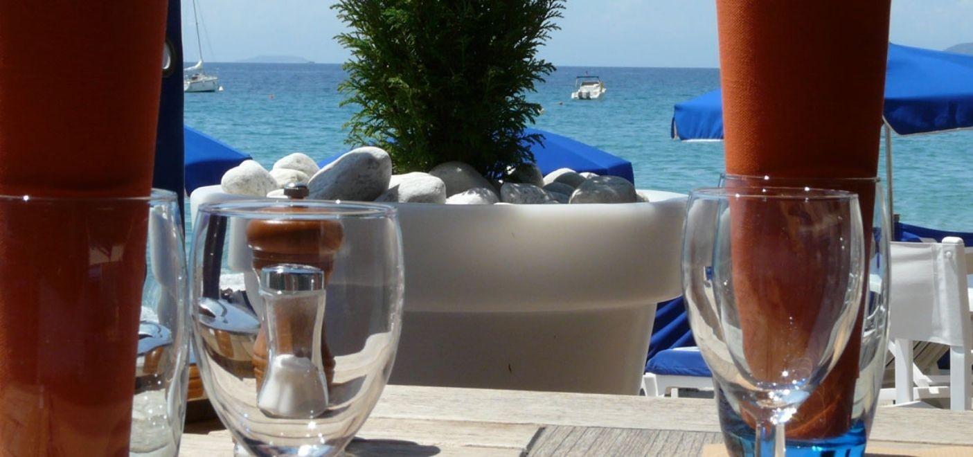 Grand Hotel Moriaz-table vue mer-Les Pieds dans l'Eau