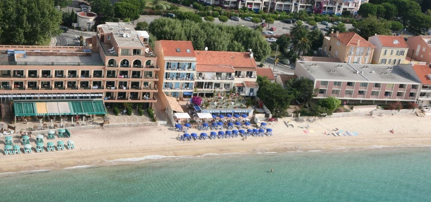 Grand Hotel Moriaz-vue aérienne-Les Pieds dans l'Eau 2