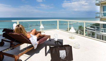 Hôtel Sans souci-terrasse vue mer-Les Pieds dans l'Eau