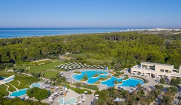Hôtel Vivosa Apulia-vue aérienne-Les Pieds dans l'Eau