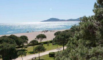 Grand Hotel du Lido-plage-Les Pieds dans l'Eau