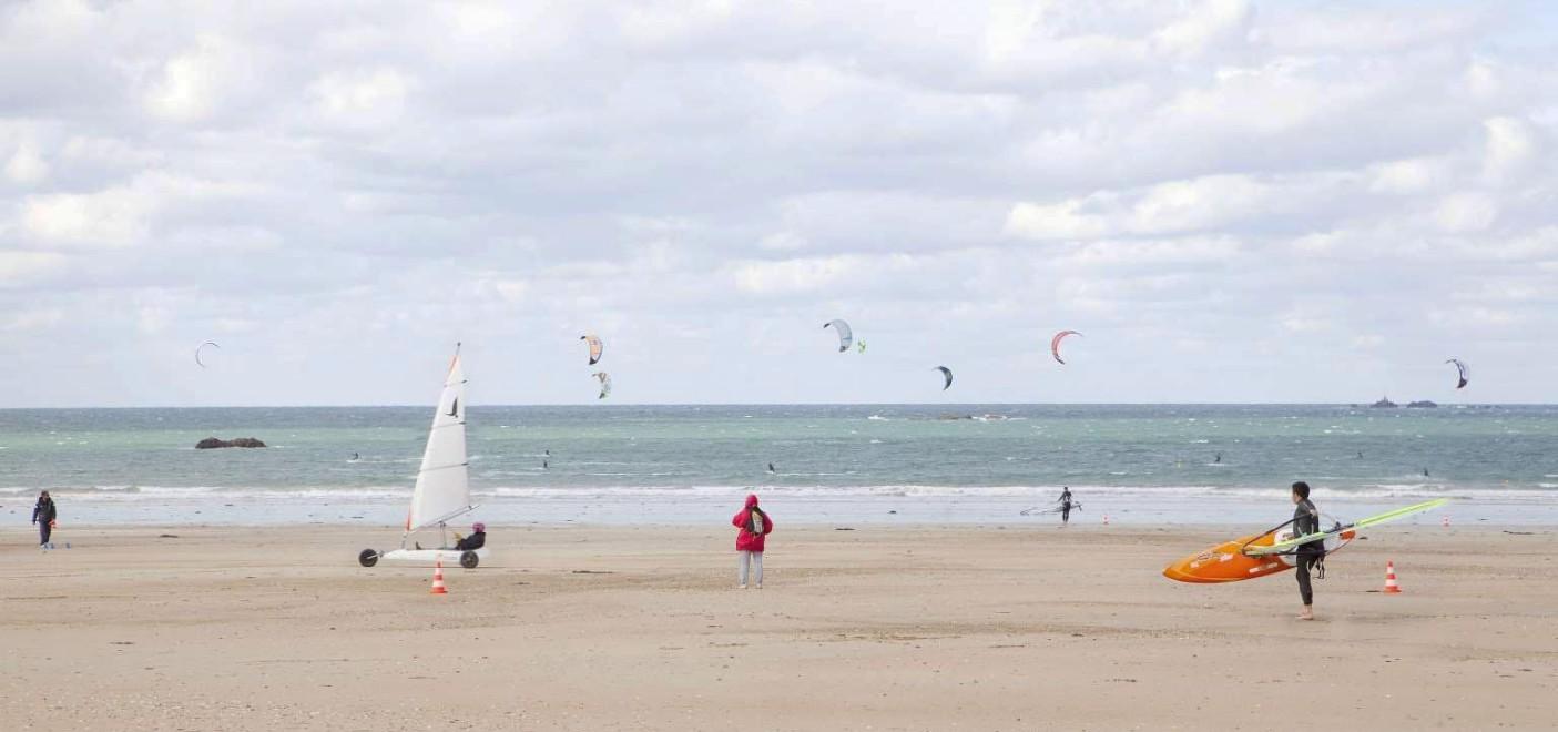 Hôtel Alexandra-activités nautiques sur la plage-Les Pieds dans l'Eau 2