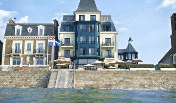 Hôtel Alexandra-façade-Les Pieds dans l'Eau