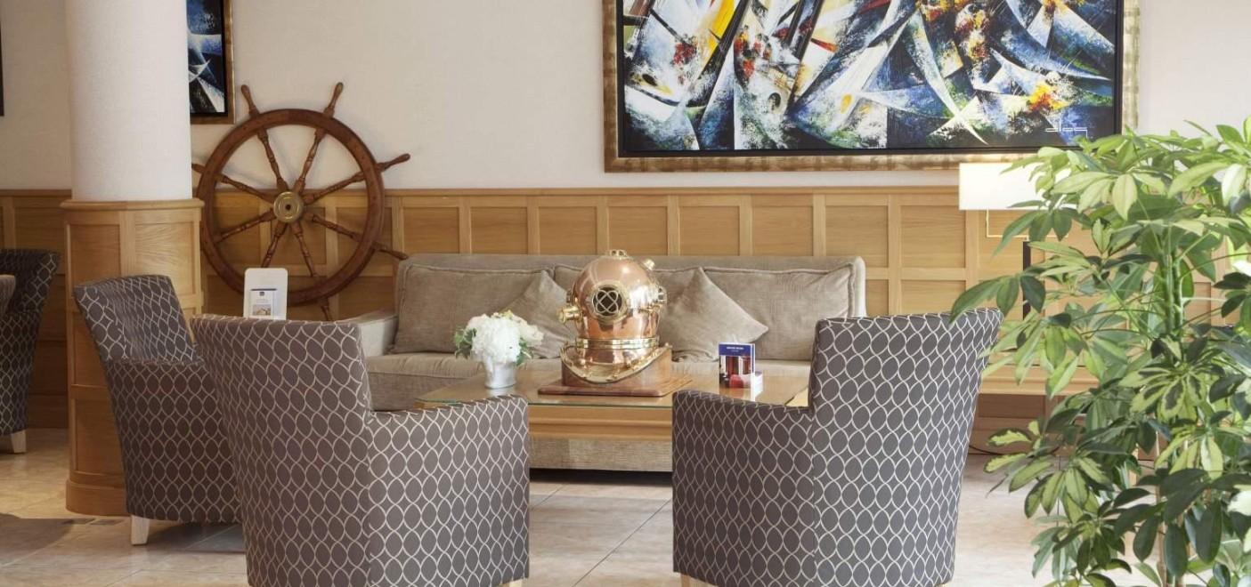 Hôtel Alexandra-salon de réception-Les Pieds dans l'Eau