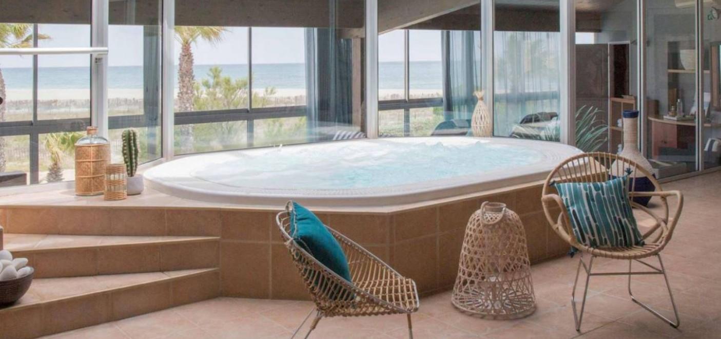Hôtel Bulles de Mer-jacuzzi vue mer-Les Pieds dans l'Eau
