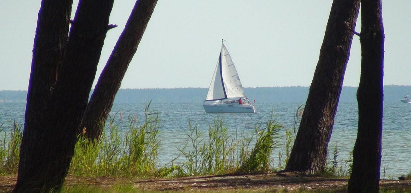 Hôtel La Caravelle-bateau sur le lac de Biscarosse-Les Pieds dans l'Eau