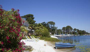 Hôtel La Caravelle-plage privée en bordure de lac-Les Pieds dans l'Eau 2