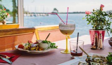 Hôtel La Caravelle-restaurant vue lac-Les Pieds dans l'Eau