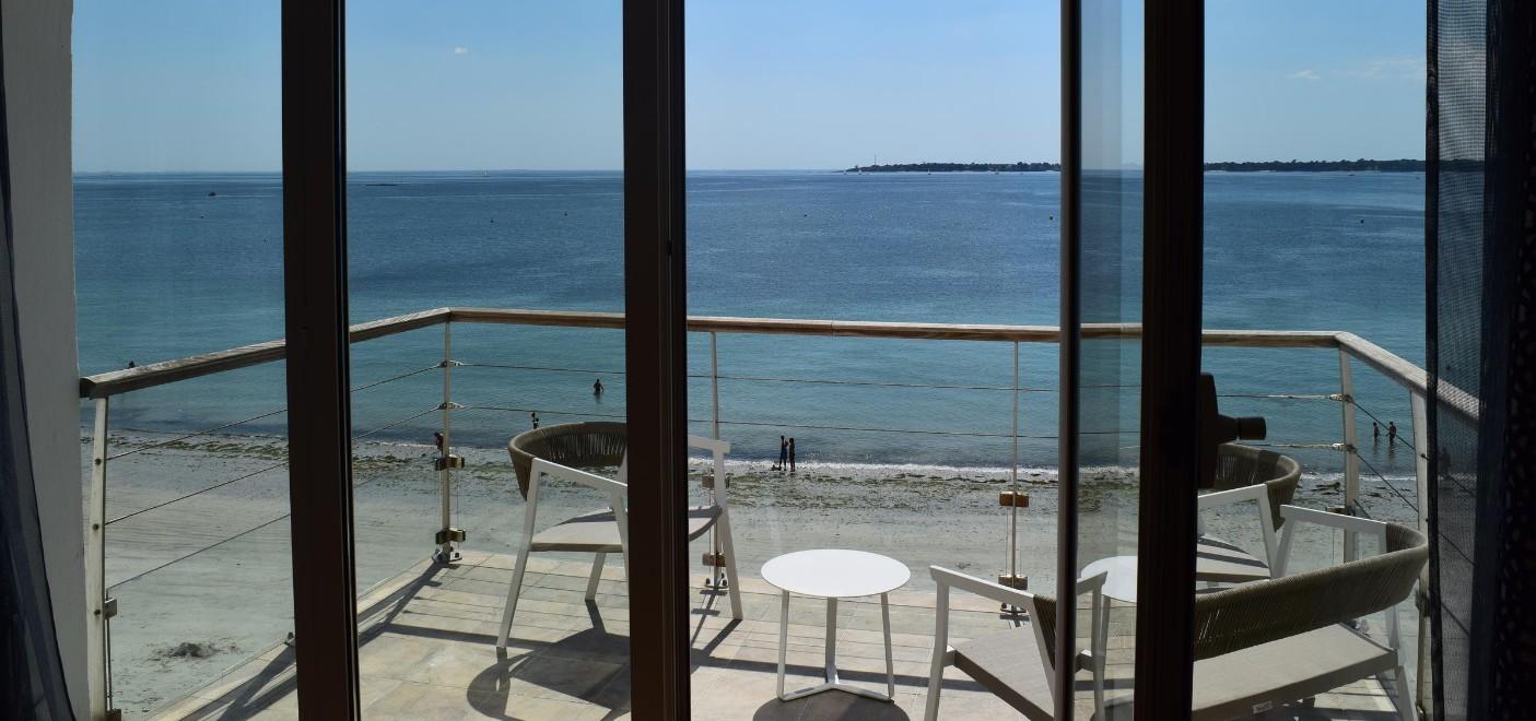 Hôtel Les Sables Blancs-balcon vue mer-Les Pieds dans l'Eau