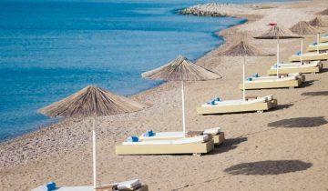 Hôtel Lindian Village-plage aménagée-Les Pieds dans l'Eau