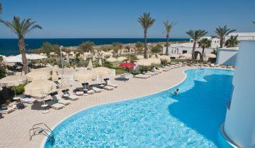 Hôtel Pietra blu-piscine et vue mer-Les Pieds dans l'Eau 2