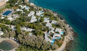 Minos Beach Art Hotel-vue aérienne-Les Pieds dans l'Eau