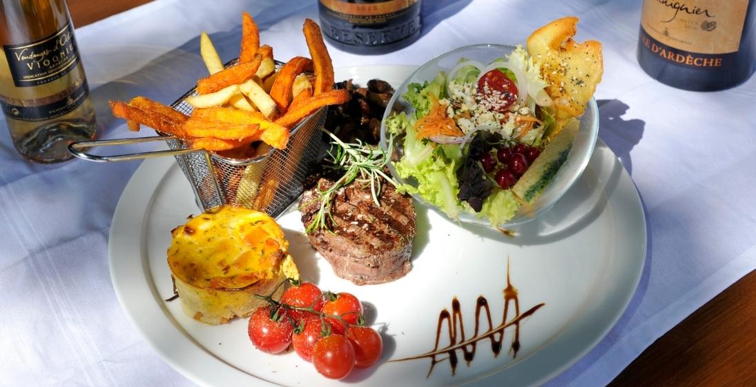 Camping Arleblanc - Ardèche - restaurant