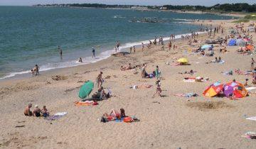 Camping La Falaise-plage-Les pieds dans l'eau3