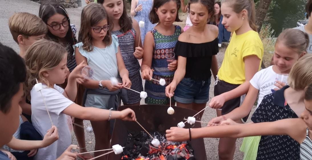 Les Pieds dans l'eau : Camping La Source - enfants