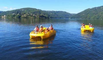 Les Pieds dans l'eau : Camping La Source - pédalo