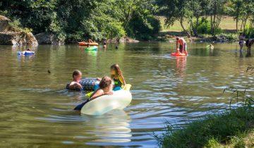 Les Pieds Dans L'eau : Camping Lespiedsansleau Salendrinque