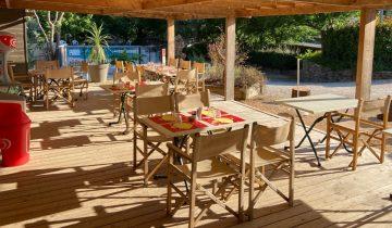 Les Pieds Dans L'eau : Camping Saledrinque Restaurant